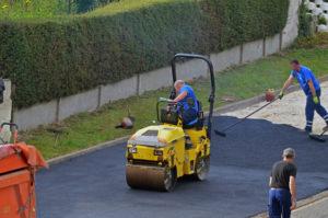 Plaining asphalt using steamroller